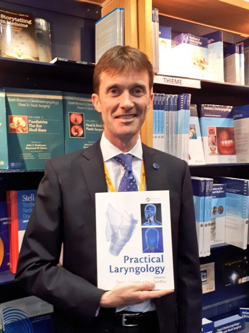 Here's @Voicedoctor_uk with a copy of the award-winning Practical Laryngology at baco2018.jpg